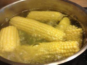 Сколько варится кукуруза? + видео онлайн смотреть
