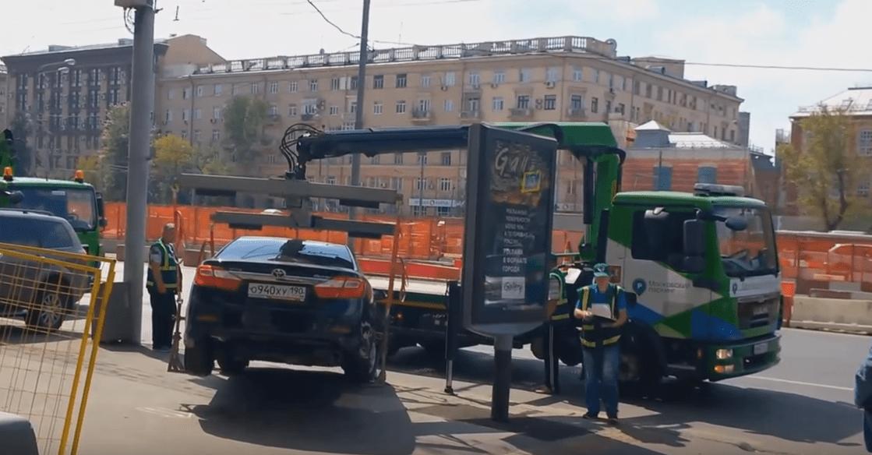 В Астрахани ввели новые тарифы для Эвакуатора за неправильную парковку