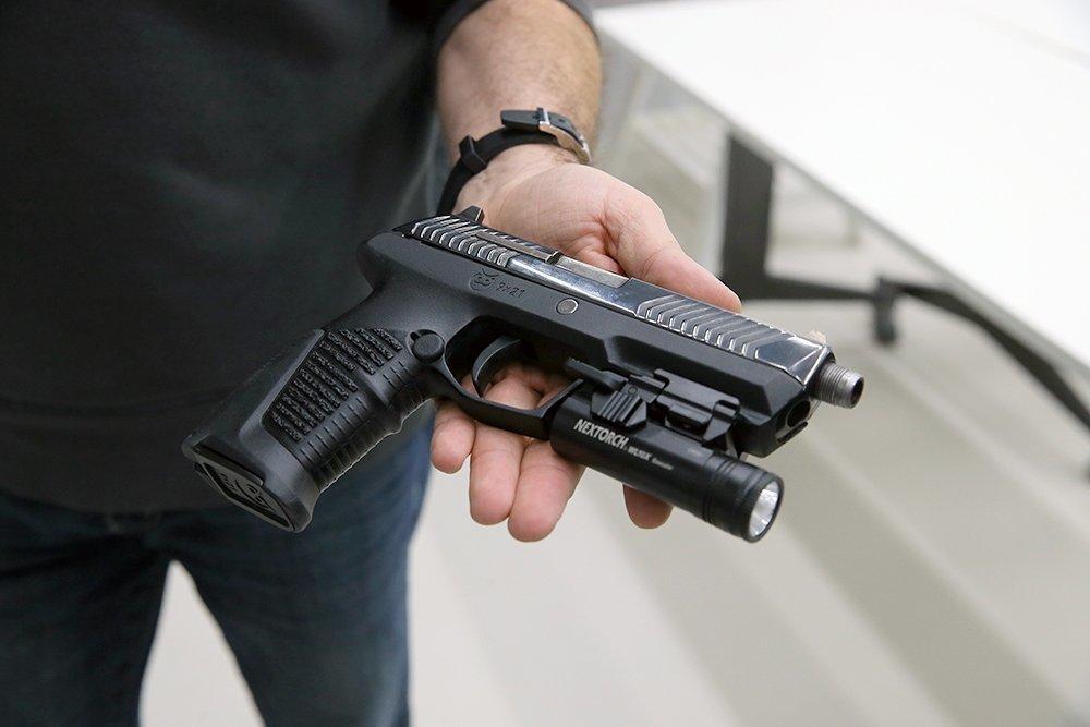 """50 пистолетов """"Удав"""" что за пистолет? поступят на вооружение РосАрмии"""