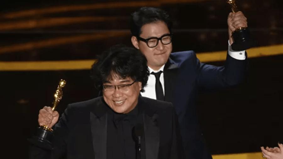 """Фильм """"Паразиты"""" принес Оскар 2020 для режиссера Пон Чжун Хо"""