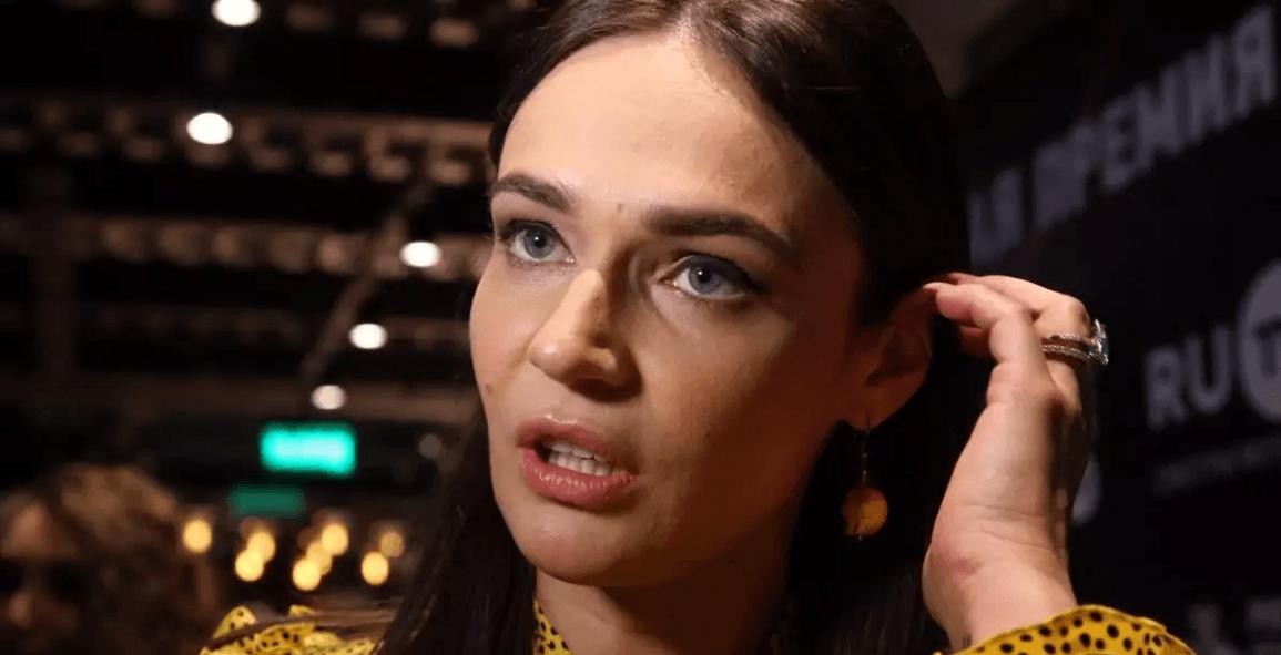 Алёна Водонаева после позора прошла допрос в полиции