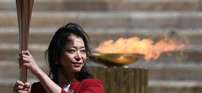 20 марта Олимпийский огонь доставлен из Греции в Японию