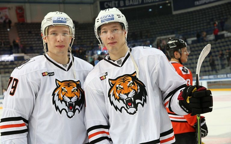 Прошел дебют братьев Ушениных за «Сибирь» в домашнем матче с «Амуром»