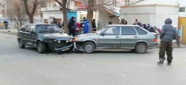 ДТП в Астрахани на улице Ростовский переулок 13а возле базара