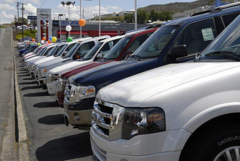 Украинцы все чаще покупают авто из США