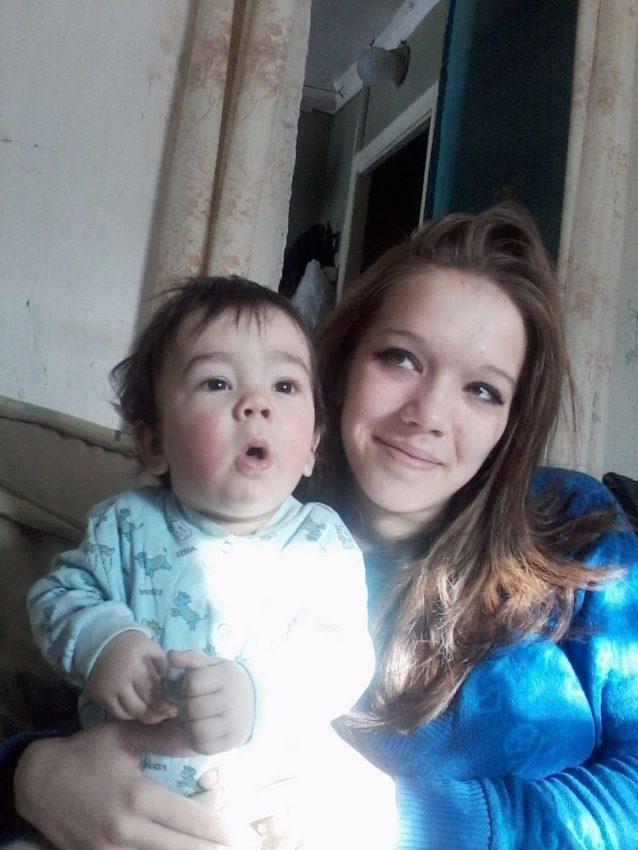 Александра Гладковская, стала мамой в 15 лет