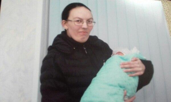 Вероника Иванова, стала мамой в 12 лет (Якутия)