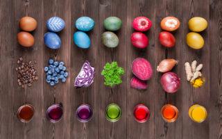 Готовимся к пасхе как сэкономить на покраске яиц используя натуральные красители